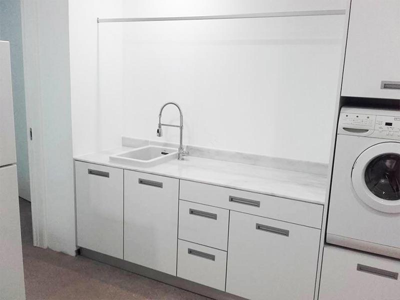 banca-e-armarios-lavandaria-fragomovel